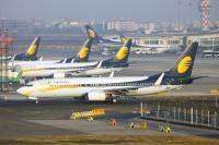 जेट एयरवेज पर संकट के बादल, बिजनेस में रहने के लिए 10000 करोड़ रुपए की जरूरत