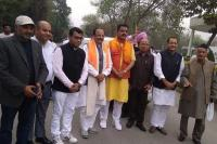 लोकसभा चुनावः पहले चरण के नामांकन का आखिरी दिन आज, अजय भट्ट सहित इन नेताओं ने भरा पर्चा