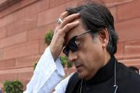 शशि थरूर के ट्वीट पर विवाद, भाजपा और माकपा ने की माफी की मांग