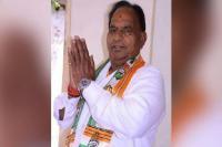 लोकसभा चुनाव: गुजरात में 'पांचवी पास' से है डॉक्टर का मुकाबला