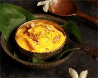 Navaratri Special: खीर खाकर हो चुके हैं बोर तो ट्राई करें ठंडी-ठंडी श्रीखंड