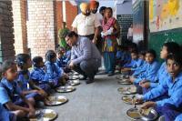 बच्चों के लिए वरदान साबित हो रहा मिड-डे-मील