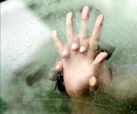 लखनऊ: चलती कार में युवती के साथ सामूहिक दुष्कर्म, आरोपी पीड़िता की पहचान वाले