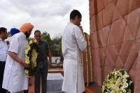 जलियांवाला बाग हत्याकांड के 100 साल पूरे, राहुल गांधी ने शहीदों को दी श्रद्धांजलि
