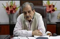 बेटे को टिकट दिए जाने के बाद केंद्रीय मंत्री बीरेंद्र सिंह ने की इस्तीफे की पेशकश