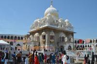पाकिस्तान: गुरुद्वारा पंजा साहिब में बैसाखी महोत्सव सम्पन्न, 2000 से अधिक भारतीय सिखों ने की शिरकत