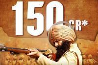 ''केसरी'' रंग में रंगे थियेटर, बाॅक्स ऑफिस पर अक्षय की फिल्म का धूआंदार कलेक्शन जारी