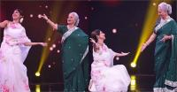 ''आज फिर जीने की तमन्ना है'' गाने पर 81 की वहीदा संग शिल्पा ने किया जबरदस्त डांस