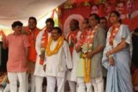 MP: लोकसभा चुनाव से कांग्रेस को बड़ा झटका, मंत्री के भाई ने ज्वाइन की BJP