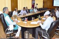 CM ने की पिरूल और सोलर नीति के क्रियान्वयन की समीक्षा, कहा- इससे राज्य की ऊर्जा जरूरतें होंगी पूरी
