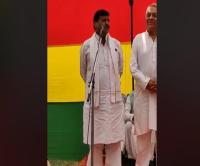शिवपाल ने अखिलेश पर साधा निशाना, कहा-नेता जी ने पार्टी के सारे अधिकार देकर गलती कर दी