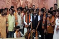 शिवसेना को झटका, प्रदेश उपाध्यक्ष सहित 100 कार्यकर्ता BJP में शामिल