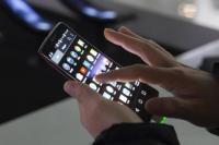 स्मार्टफोन यूज करते वक्त रखे इन बातों का ध्यान, कभी नहीं होगी आंखें खराब