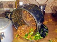 घर पर खाना बनाते समय कुकर ब्लास्ट, महिला झुलसी