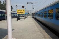 किसानों का मुआवजा मामला : कोर्ट के आदेशों पर रोक दी चंडीगढ़-अमृतसर ट्रेन