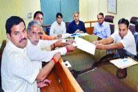 भाजपा उम्मीदवार कृष्णपाल गुर्जर ने दाखिल किया नामांकन