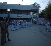 CM के आगमन से पहले अभेद किले में तबदील हुआ डी.सी. ऑफिस