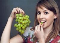 अंगूर से करें माइग्रेन का इलाज, कई ब्यूटी प्रॉब्लम भी होंगी दूर