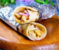 चिकन खाने के शौकीन जरूर ट्राई करें Chicken Chutney Paratha Roll