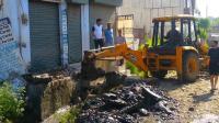 अतिक्रमण पर सख्त हुई नगर परिषद् की टीम, अवैध कब्जों पर फेरा पीला पंजा