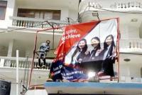 सोलन में अवैध होर्डिंग पर चला नगर परिषद का डंडा (Watch Video)