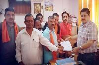 बजरंग दल ने SDM को सौंपा ज्ञापन, कहा-लव जिहाद के नाम पर फंसाईं जा रहीं हिंदू लड़कियां