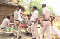 डबल मर्डर के बाद पुलिस कर रही सरपंच के घर की पहरेदारी, मृतकों के घर पसरा सन्नाटा