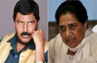 आठवले का मायावती पर हमला, बोले-PM मोदी की पत्नी की चिंता न करें मायावती, खुद कर लें शादी