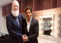 शाहरुख खान ने डेविड लेटरमैन के शो में दर्ज की अपनी उपस्थिति, कुछ इस तरह सजा की तस्वीरें