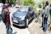 NH-5 पर कार-बाइक में जबरदस्त टक्कर, बाइक सवार युवक की मौत
