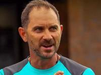 खिलाड़ियों से बोले आस्ट्रेलियाई कोच लैंगर, इंग्लैंड में गेंदबाजी के लिए चमड़ी मोटी करो