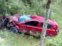 दर्दनाक हादसा : 100 फुट खाई में गिरी कार, चालक की मौत