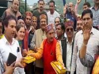कुल्लू में रुझानों से उत्साहित BJP कार्यकर्ताओं ने मनाया जश्न