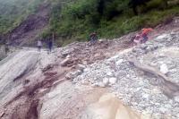 कुल्लू की सैंज घाटी में बाढ़ का कहर, 14 पंचायतों का यातायात संपर्क टूटा