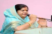कमलनाथ सरकार में कैबिनेट मंत्री बोलीं- महाराज'' को सौंपी जाए प्रदेश की कमान