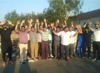 गांव गदाईपुर में फैक्टरी मालिकों की तरफ से फैलाई जा रही है गंदगी, लोगों ने किया विरोध