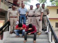 बस में सवार 2 युवक चरस के साथ गिरफ्तार, पुलिस को नाके पर मिली सफलता