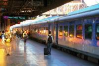 ट्रेन का AC हुआ खराब, गुस्साए यात्री अधिकारियों को 92Km तक पकड़कर ले गए