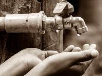 इस स्कूल में पड़ा पानी का अकाल, बूंद-बूंद के लिए तरसे बच्चे
