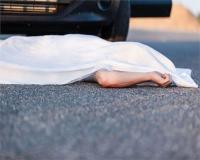 दो कारों की टक्कर में 8 गंभीर रुप से घायल, बीच में फंसकर बाइक सवार की दर्दनाक मौत