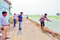 नोटिस के बाद भी नहीं माने किसान तो करवाई धान की फसल नष्ट