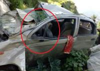 NH-5 पर गहरी खाई में गिरी कार, बेटे की दर्दनाक मौत, पिता IGMC रेफर