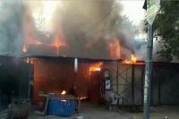 कानपुर: मंधना में हार्डवेयर की कई दुकानों में लगी भीषण आग, एक घंटे तक नहीं पहुंची फायर ब्रिगेड