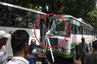 कांगड़ा में टूरिस्ट बस और HRTC बस की आमने-सामने टक्कर, ड्राइवर सहित 4 लोग जख्मी