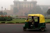 केजरीवाल सरकार ने दिल्ली में आटो रिक्शा का किराया बढ़ाया