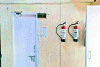अग्निशमन यंत्र हुए एक्सपायर, रिफिल करवाना भूला प्रशासन