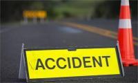 दर्दनाक हादसा: ट्रक और गाड़ी की जोरदार टक्कर होने से तीन की मौत, 6 घायल