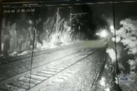 CCTV कैमरे के चलते टला एक बड़ा ट्रेन हादसा, VIDEO में देखें कैसे हुआ कमाल