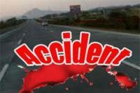 कार की टक्कर लगने से ऑटो पलटा, चालक समेत 4 घायल