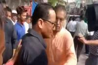केंद्रीय मंत्री के साथ फोटो खिंचवाने को लेकर आपस में भिड़े 2 मंत्री, वीडियो वायरल
